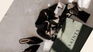 jak-kupowac-ubrania-w-internecie-blog-minimalizm-zakupy-online