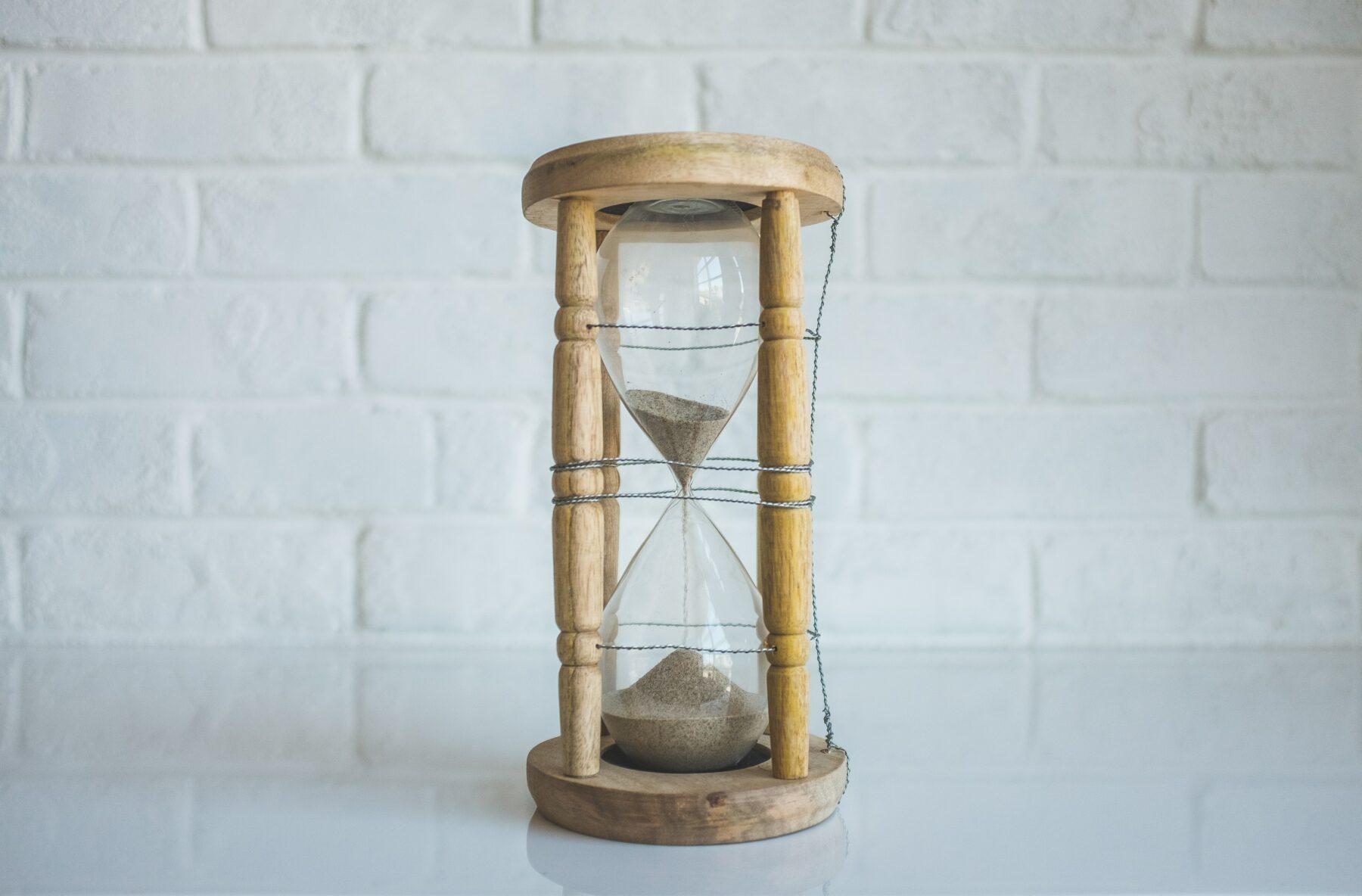 czas-przecieka-miedzy-palcami